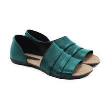 Load image into Gallery viewer, Casual Ruffles Pu Slip-on Flat Sandals