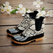 Load image into Gallery viewer, Women Two-Tone Duck Boots