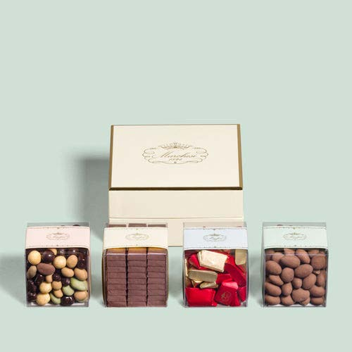 SELECTION OF CHOCOLATES 4 8X8 CUBES