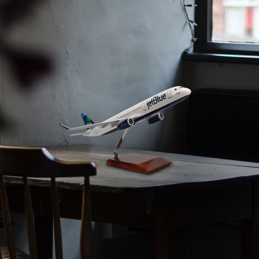 Airbus A321 Jetblue Airways Limited Edition Large Mahogany Model