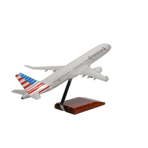 Aircraft Models - American Airlines Airbus A321-200 Limited Edition Large Mahogany Model