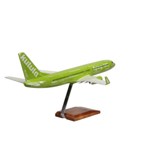 Aircraft Models - Boeing 737-800 Kulula Flying 101 Limited Edition Large Mahogany Model