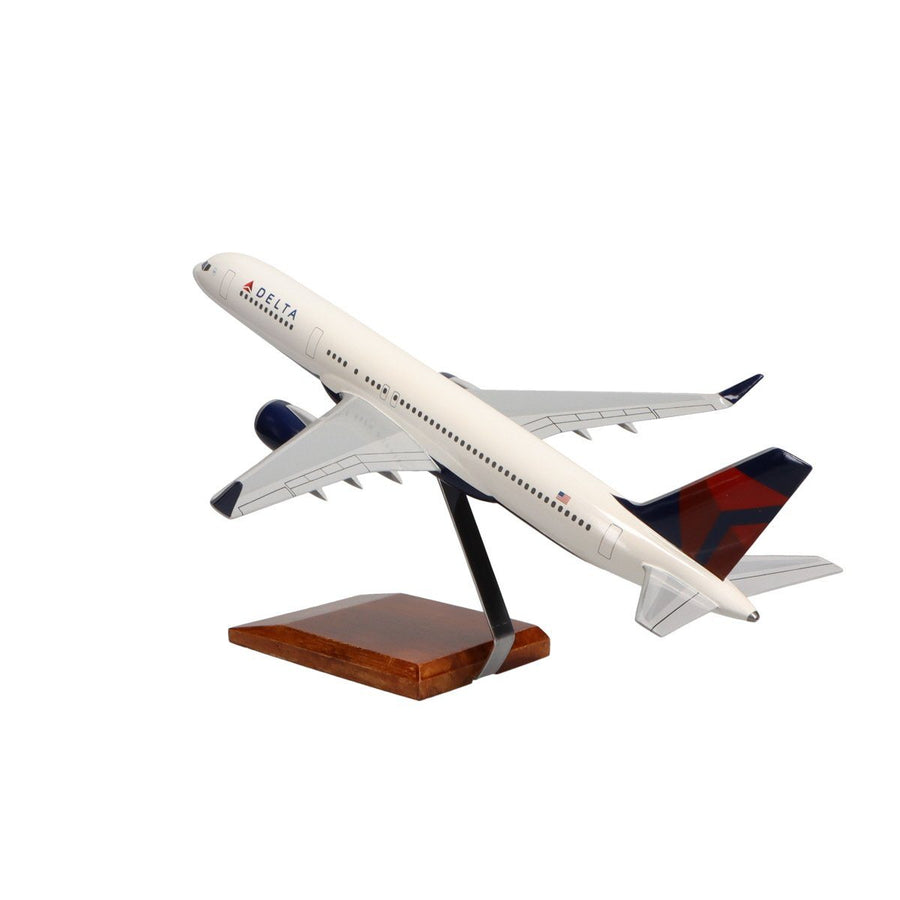Aircraft Models - Boeing 757-200 Delta Air Lines Limited Edition Large Mahogany Model