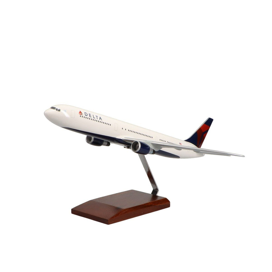 Aircraft Models - Boeing 767-400 Delta Air Lines Limited Edition Large Mahogany Model