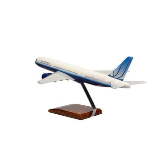 Aircraft Models - Boeing 777-200 United Airlines (Blue Tuplip Livery) Limited Edition Large Mahogany Model