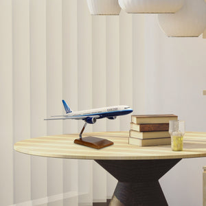 Boeing 777-200 United Airlines (Blue Tulip Livery) Limited Edition Large Mahogany Model