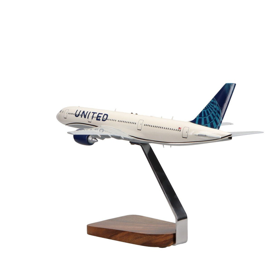 Aircraft Models - Boeing 777-200 United Airlines (New Livery) Limited Edition Large Mahogany Model