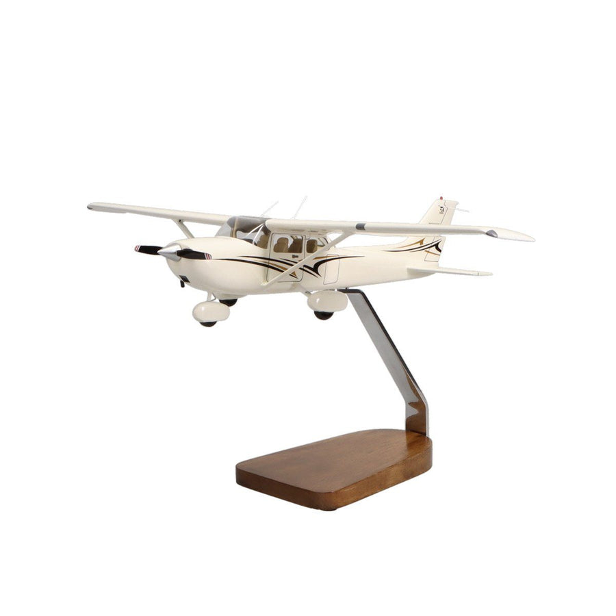 Aircraft Models - Cessna 172 Skyhawk SP Clear Canopy Limited Edition Large Mahogany Model