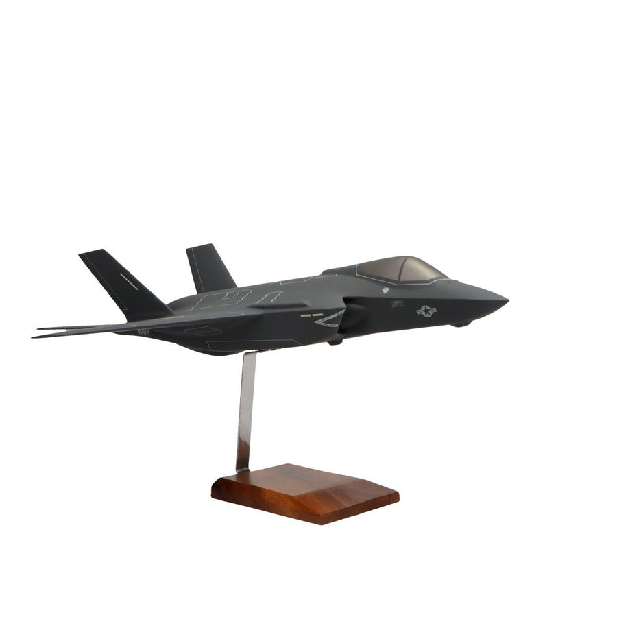 Aircraft Models - Lockheed Martin F-35C JSF/CV U.S. Navy Limited Edition Large Mahogany Model