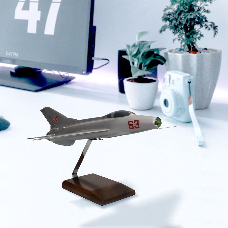 Mikoyan-Gurevich MiG-21 Limited Edition Large Mahogany Model