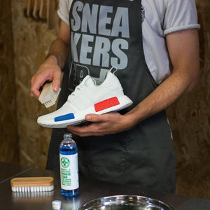 Premium Cleaning Solution & Brush Kit - SNEAKERS ER - Lion Feet - Clean & Protect