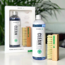 Indlæs billede til gallerivisning Premium Cleaning Solution & Brush Kit - SNEAKERS ER - Lion Feet - Clean & Protect