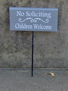 No Soliciting Children Welcome Sign Wood Vinyl Stake Entryway Exterior Outdoor House Sign Front Yard Garden Sign Porch Patio Decor Signage