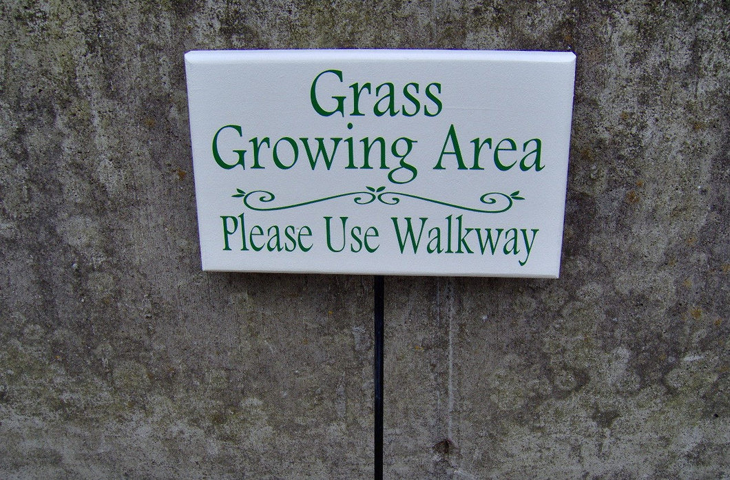 Grass Growing Area Please Use Walkway Sign Outdoor Garden Wood Sign Vinyl Stake Sidewalk Home Decor Sign Private Sidewalk Keep Off Grass