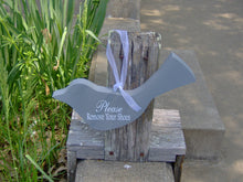 Load image into Gallery viewer, Bird Cutout Please Remove Your Shoes Wood Vinyl Sign Wreath Door Hanger Home Decor Ornament Shabby Cottage Chic Grey Take Off Shoes Sign - Heartfelt Giver