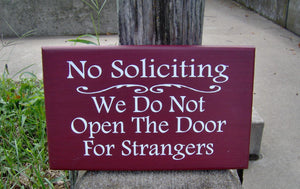 No Solicting We Do Not Open The Door For Strangers Wood Sign Vinyl Home Decor Door Hanger Red Outdoor Sign Yard Sign Yard Decor Garden Sign - Heartfelt Giver