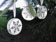 Load image into Gallery viewer, Snowflake Ornaments Wood Tree Ornaments Distressed Christmas Decorations Winter Rustic Farmhouse Decor Holiday Snowflake Tree Vinyl Design