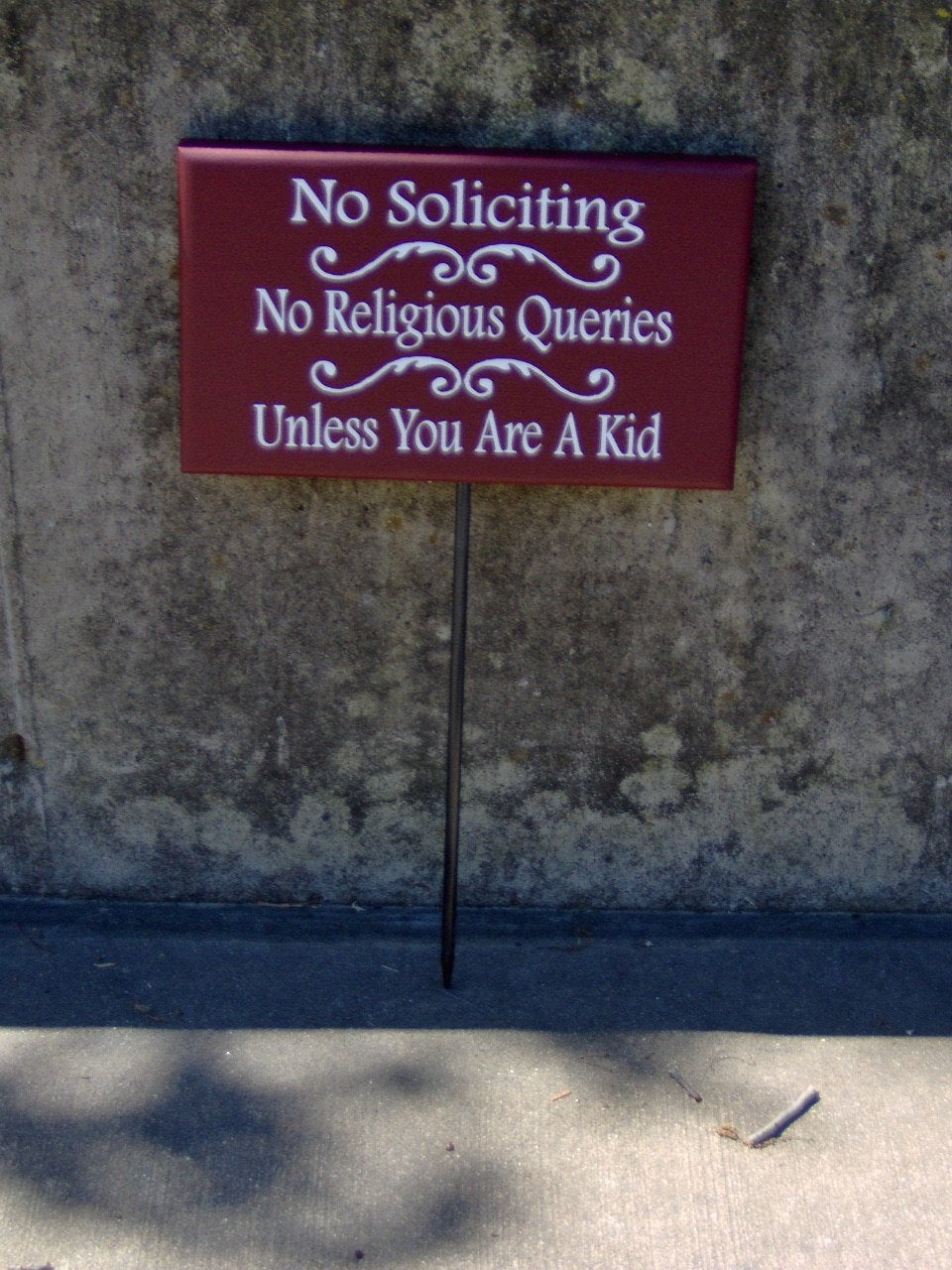 No Soliciting No Religious Queries Unless You Are A Kid Wood Vinyl Signs Yard Stake Rustic Red Garden Art Outdoor Yard Decor Exterior Porch