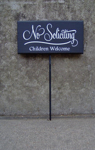 No Soliciting Retro Design Children Welcome Wood Vinyl Stake Sign Outdoor Plaque Front Entry Door Decor Garden Sign Office Signs Home Decor