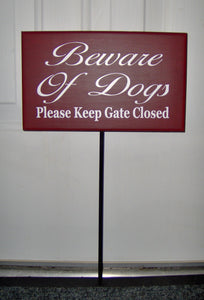 Beware of Dogs Sign Please Keep Gate Closed Wood Vinyl Outdoor Yard Stake Sign Dog Lover Signs For Home Pet Supplies Garden Gate Fence Sign