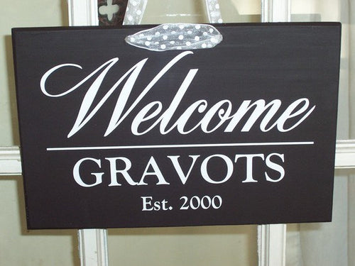 Welcome Sign Last Name Established Hanging Door Plaque Wood Vinyl Sign for Exterior Front Entryway Porch Custom Wood Sign New Home Gift Art - Heartfelt Giver
