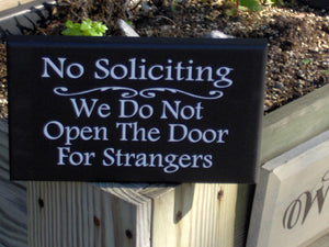 No Soliciting Do Not Open Door For Strangers Wood Sign Vinyl Home Decor Front Door Hanger Privacy Sign Do Not Disturb Yard Sign Porch Sign