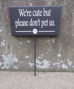 Dog Sign Cute But Please Don't Pet Us Wood Vinyl Stake Sign Backyard Gate Fence Warning Sign Front Yard Lawn Decor Pet Supplies For Fur Baby