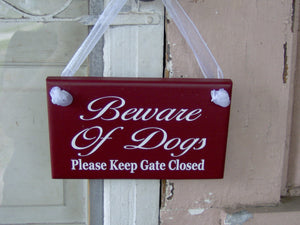 Dog Decor Beware of Dog Please Keep Gate Closed Wood Vinyl Sign Outdoor Fence Gate Sign Keep Shut Dog Loose In Yard Sign Backyard Decoration - Heartfelt Giver