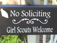Load image into Gallery viewer, No Soliciting Girl Scouts Welcome Signs Wood Plaque Vinyl Sign Do Not Disturb Unless Kid Entryway Sign Porch Decor Home Sign Decor Yard Sign