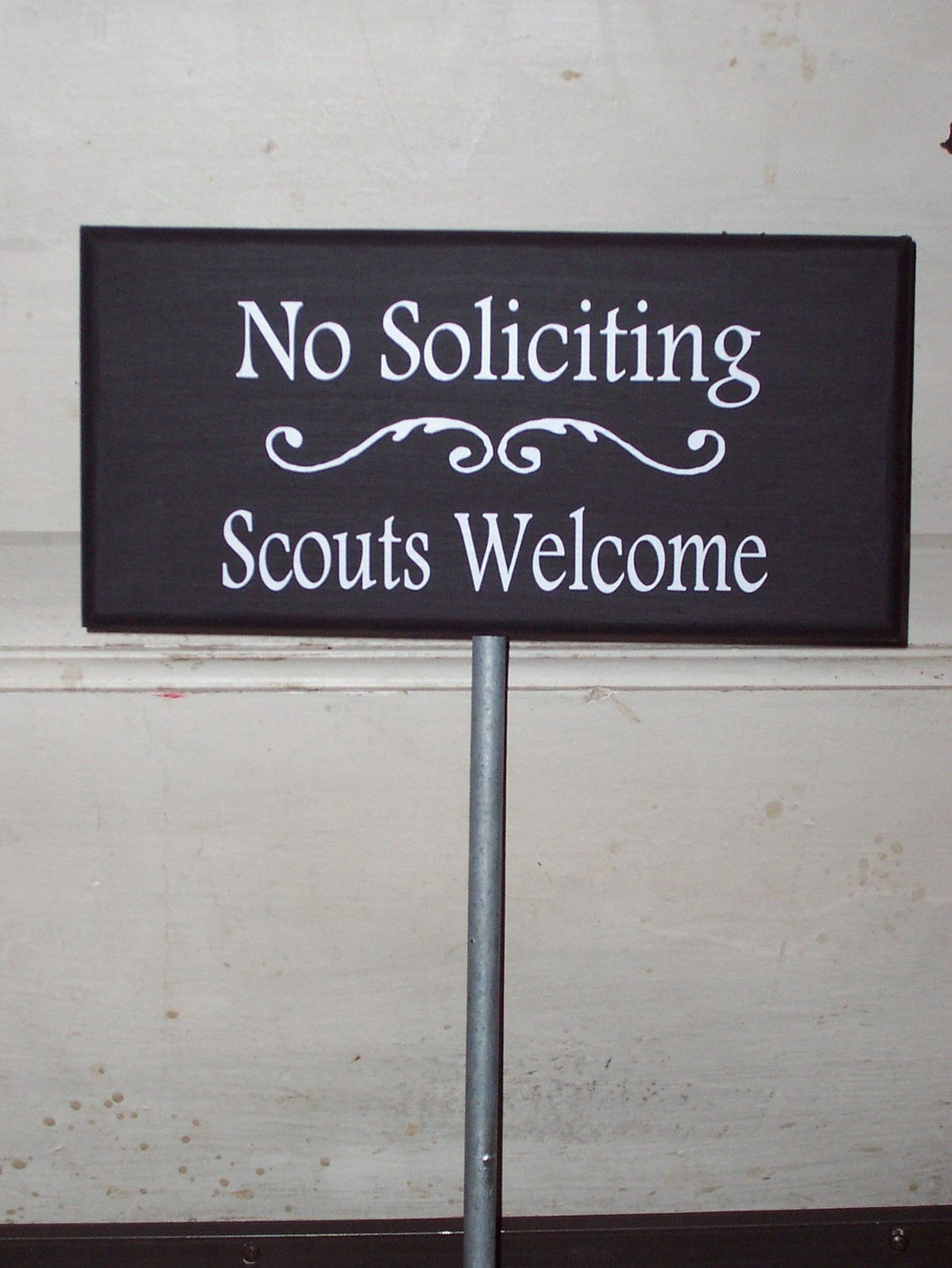 No Soliciting Scouts Welcome Wood Signs Vinyl Yard Stake Sign Outdoor Yard Art Housewarming Gift Personalized Home Decor Lawn Ornament Porch