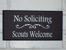 Load image into Gallery viewer, Wood Sign No Soliciting Scouts Welcome Vinyl Outdoor Door Hanger New Home Decor Lawn Ornament Sign Garden Landscape Houswarming Gift Yard