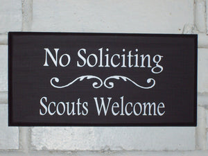 Wood Sign No Soliciting Scouts Welcome Vinyl Outdoor Door Hanger New Home Decor Lawn Ornament Sign Garden Landscape Houswarming Gift Yard