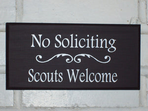 No Soliciting Scouts Welcome Wood Vinyl Sign Do Not Disturb Unless Child Boy Girl Thin Mint Cookies Door Wall Hanger Unique Gift Home Decor