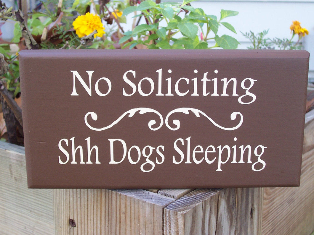 No Soliciting Shh Dogs Sleeping Wood Vinyl Yard Sign Porch Home Door Hanger Farm Country Decor Brown Outdoor Sign Gardening Yard Decor Signs