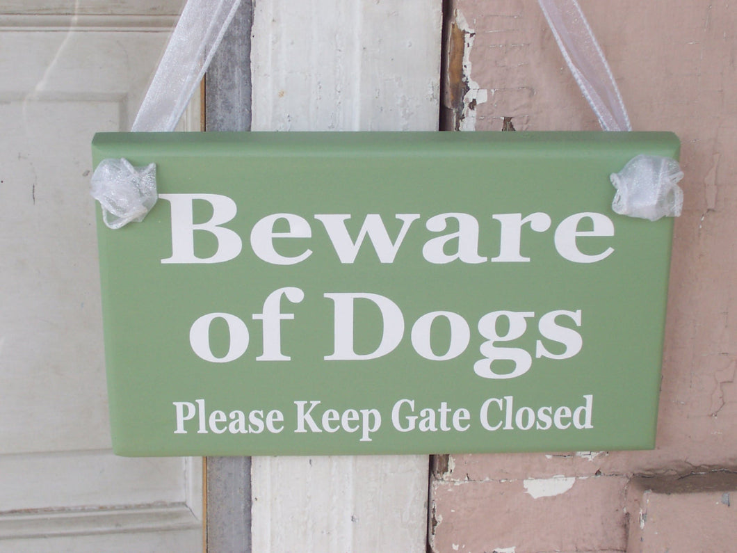 Beware of Dogs Please Keep Gate Closed Wood Vinyl Signs Gate Pet Supplies Dog Owner Gift Exterior Outdoor Signs Everyday Custom Yard Signs