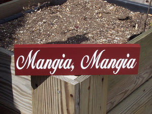 Mangia Mangia Wood Vinyl Sign Eat Italian Farmhouse Rustic Red Family Gathering Sign Kitchen Sign Wall Hanging Home Decor Wall Decor Sign