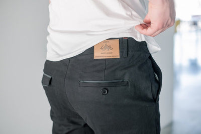 SIGR 'Strandvägen' Cycling Chino Shorts in Black for Men