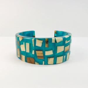 Mammoth_ivory_and_resin_bracelet_jewellery_aqua_blue