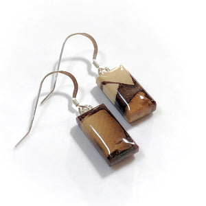 Mammoth_tusk_and_resin_jewelry_Hook_earrings_brown_flare_side