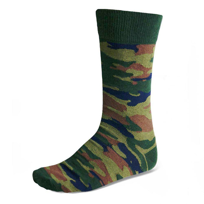 Men's camouflage pattern socks in army green