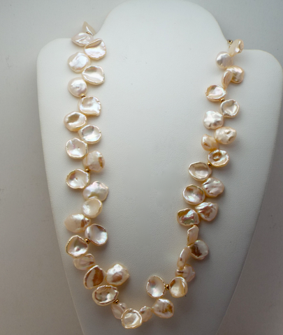 Perfectly Peach Pearl Collar