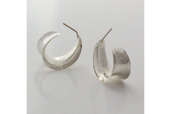 Channel: Sterling Silver Anticlastic 3/4 Oval Hoops Small