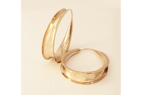 Tapered 14k Yellow Gold Anticlastic Self-Locking Hoop