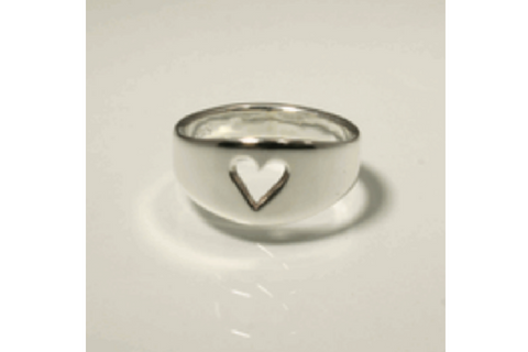 Queen of Hearts: Sterling Silver Ring Size 4.5-7.5