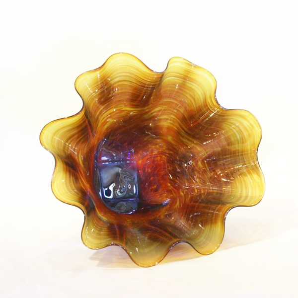 Gold Shell Bowl Form By Winfisky Glass