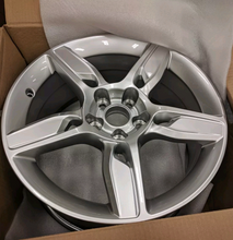 "Load image into Gallery viewer, LEXUS IS250 IS350 2015 18"" FACTORY ORIGINAL FRONT WHEEL RIM"