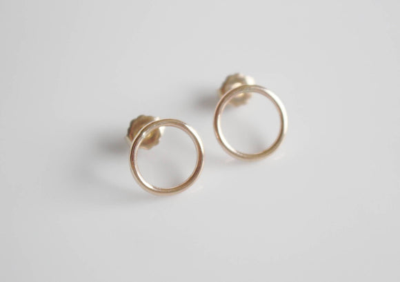 Gold Circle Earrings / Gold Circle Studs / 14K Gold Fill Hoop Earrings / Minimalist Gold Earrings / Dainty Gold Earrings / Geometric Jewelry