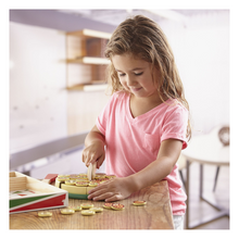 Load image into Gallery viewer, Child playing with pizza party play food