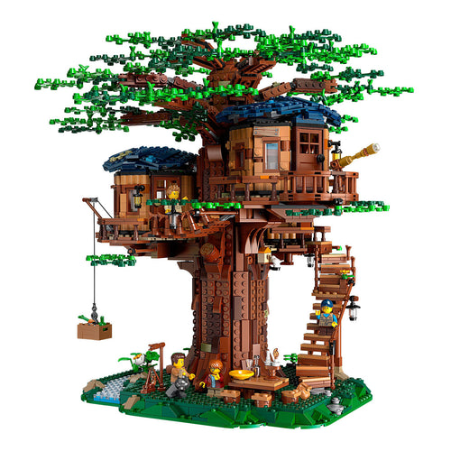 LEGO tree house set with green leaves