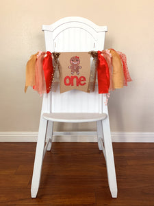 One Gingerbread cookie boy girl Christmas wreath Rag Tie pennant Banner High Chair Banner cake smash Photo prop winter 1st Birthday